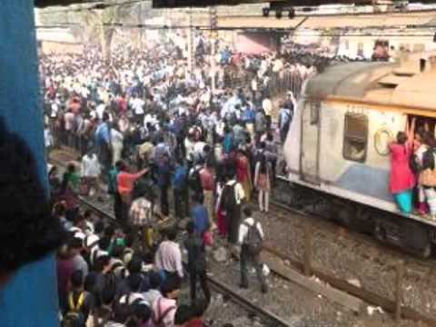angry-passengers-resort-to-stone-pelting-over-disruption-of-mumbai-locals