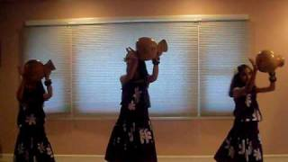 Makanigirls.com dancing to Na Ka Pueo