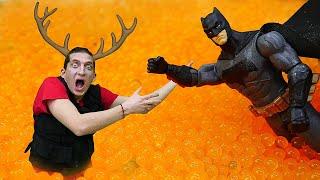 Игры гонки для Бэтмена и супергероев! - Смешное видео шоу Фабрика Героев.