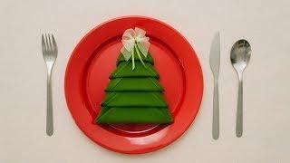 Cách gấp khăn ăn theo chủ đề cây Noel
