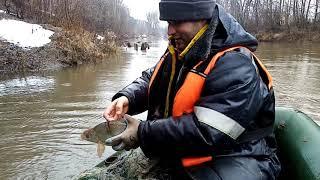 Рейд поймали трех браконьеров изъяли лодки сети