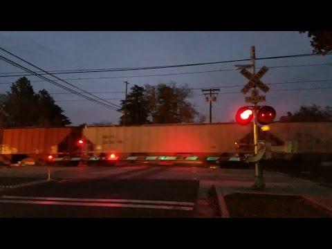 V Street Railroad Crossing, BNSF 7638 Manifest Northbound and Sacramento Light Rail, Sacramento CA