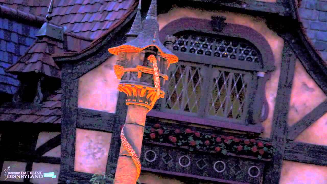 Tangled Tower Comes To Life After Dark At Disneyland S Fantasy Faire Youtube