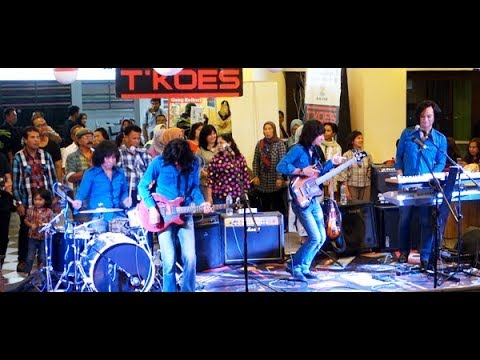 Download Panah Asmara Koes Plus ★ Goyang Asyik Bareng T-Koes Band Mp4 baru
