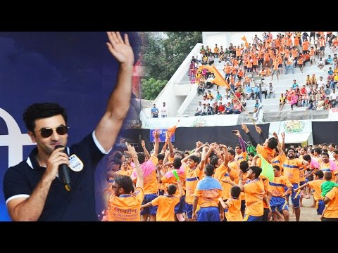 Ranbir Kapoor Interacts With Fans In Marathi At Janmashtami Celebration!