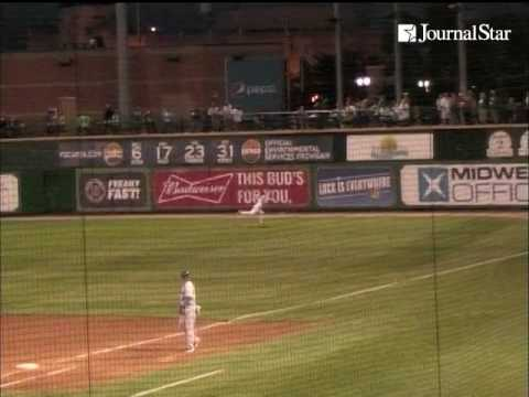 VIDEO: Peoria Chiefs right fielder Bryce Denton makes diving catch in game against South Bend Cubs a