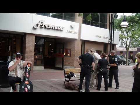 Police arrest transient on Church St, Burlington, VT.MP4