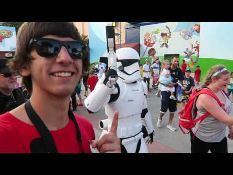 Star Wars Launch Bay Tour! - Star Wars Shows, Meeting Characters, & MORE! - Hollywood Studios