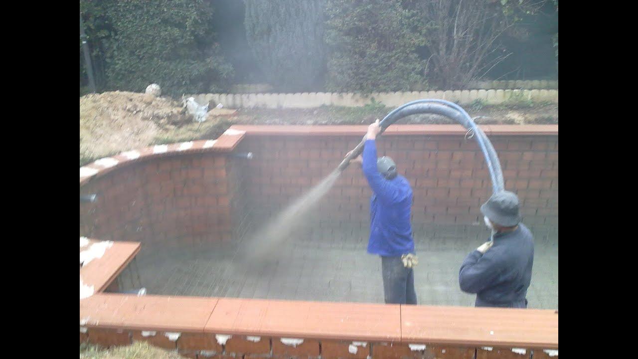Cum se torcreteaza betoneaza o piscina beton proiectat for Constructii piscine