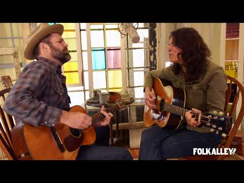 """Folk Alley Sessions: Kris Delmhorst - """"Color of the Sky"""""""