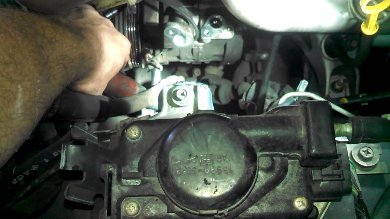 2001 suzuki grand vitara xl 7 2 7l air conditioning compressor removal and smaller belt installed [ 1280 x 720 Pixel ]