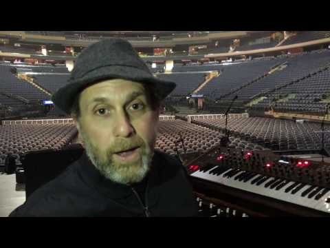 Larry Goldings - On Tour with John Mayer
