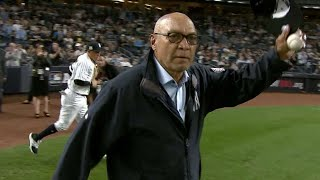 CLE@NYY Gm3: Reggie Jackson throws first pitch