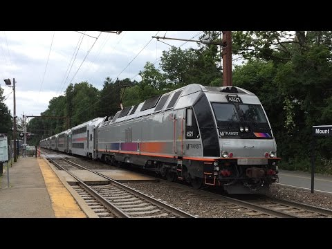 NJ Transit HD 60fps: Bombardier ALP-45DP 4521 Shoves Train 6650 Through Mount Tabor 8/10/15