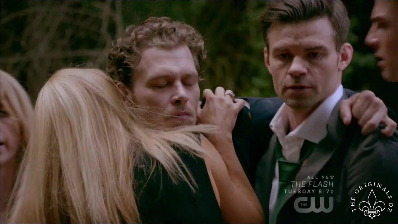 Download The Originals 4x02 Klaus reunites with his family