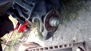 Как поменять тормозной диск на Мерседес W210.