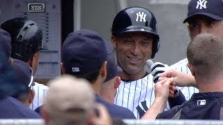 Jeter trots home on Wells