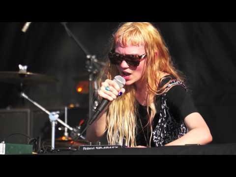 Grimes - Genesis (live At Ottawa Bluesfest 2012)