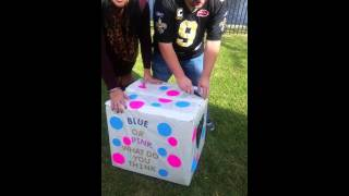 Gender reveal, balloons in box