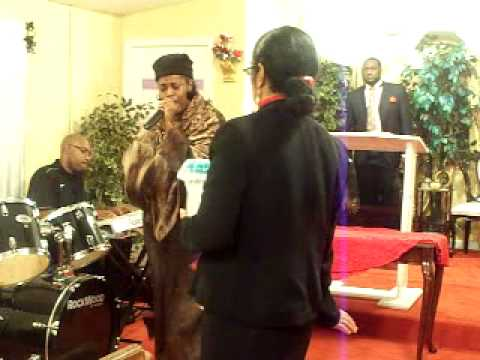 APOSTLE THERESA JAMES AT ONE ON ONE OUTREACH MIN MACON GA NOV 24 2014