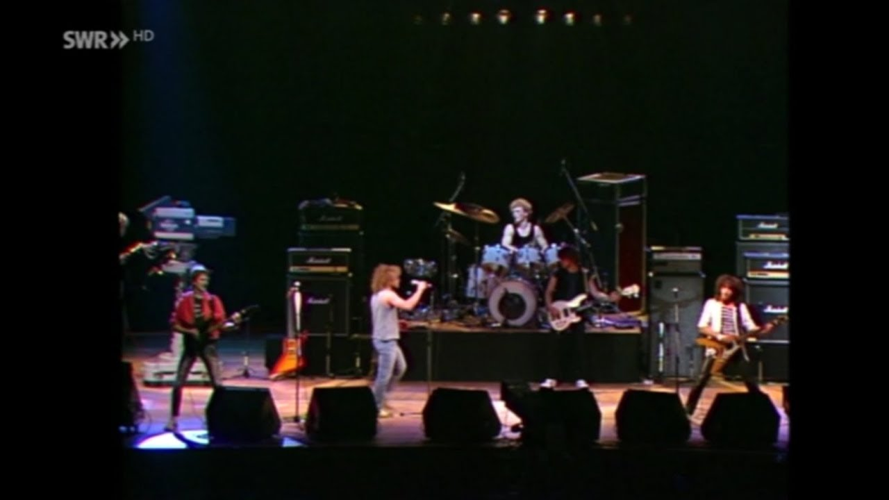 Gravestone live 1983