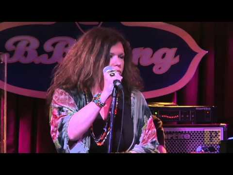 "Mary Bridget Davies Channels the Late Great Singer in ""A Night With Janis Joplin"""