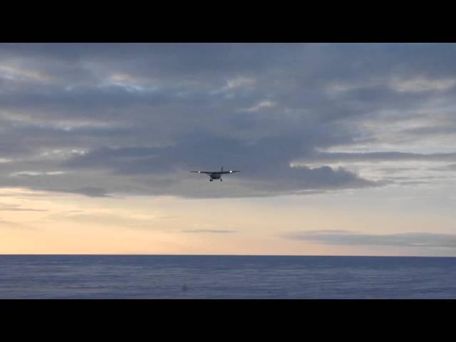 Arctic Landing, Bering Air, Cessna 208B Grand Caravan, Kotzebue Airport, Alaska