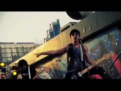 Bunkface di Rooftop - Revolusi
