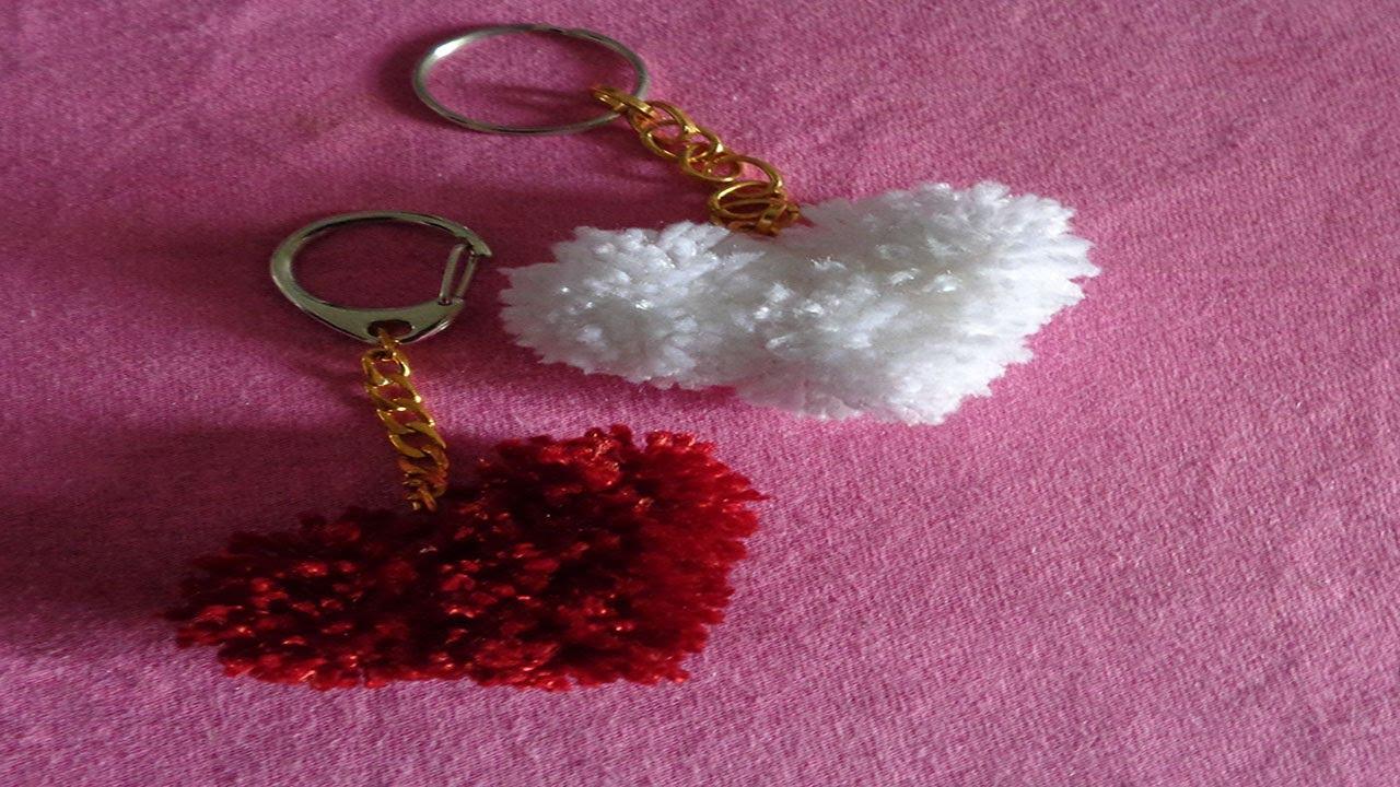 DIY corazones de pompones de estambre