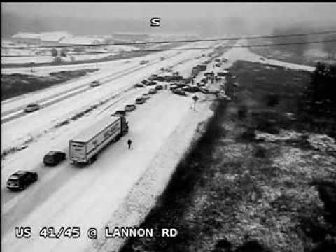 40-vehicle pileup caught on camera during Wisconsin snowstorm - Full video