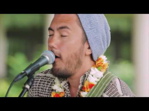 KING'S HAWAIIAN PRESENTS: Justin Young - One Foot On Sand
