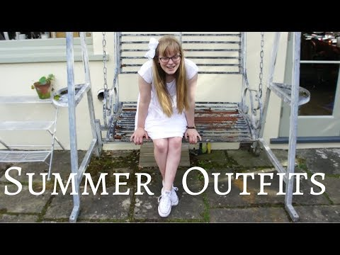 Summer Holiday Lookbook || Six Preppy Outfits