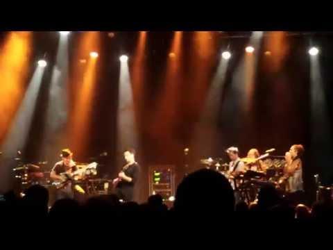 Dweezil Zappa plays Zappa feat Tryo (Manu Eveno as Numa) - Trianon 2015