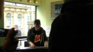 "frankmusik plays ""Such Great Heights"" by Postal Service at Bagel of the North"