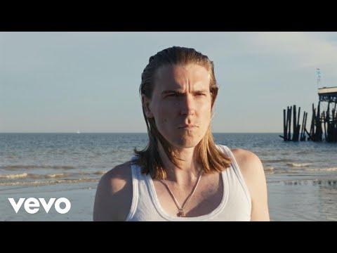 Alex Cameron - Runnin' Outta Luck (Official Video)