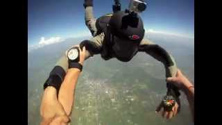 Choc: Double incident en saut en parachute