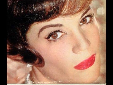 Connie Francis - Te Quiero, Dijiste {Magic Is The Moonlight} (Spanish version) (11)