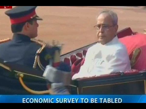Delhi: President Pranab Mukherjee en route to Parliament