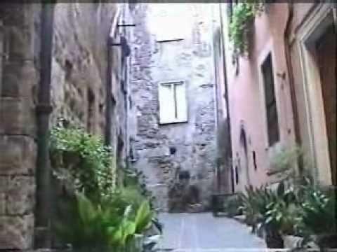 Caminando Por La Calle De Orte,lazio,italia, Contradas En La Rocca.2010