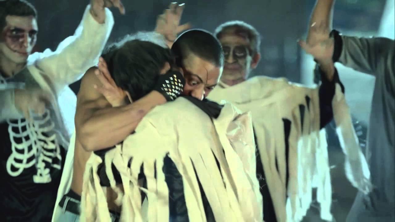 رقص شعبي لدنيا سمير غانم ومحمد رمضان على اغنية فرتكه في لهفه Youtube