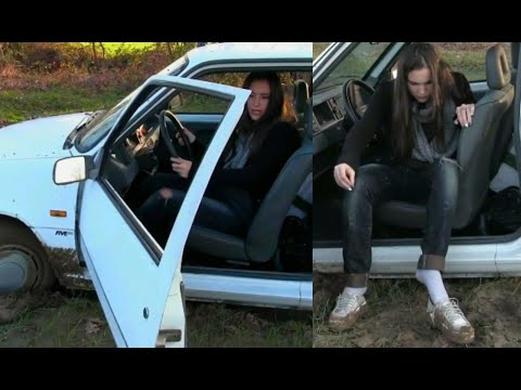 Miss Iris mud stuck nightmare | Trailer Pedal Pumping