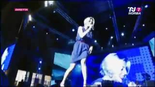 Emma Marrone - Cercavo Amore (Live) [Subt. Español]