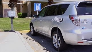 Electric Vehicles Charge up Coachella Valley