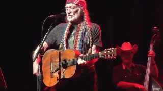 Willie Nelson ~ Me and Paul (Live)
