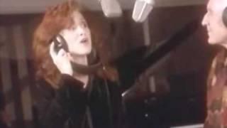 "John and Bonnie Raitt sing ""Its wonderful"""