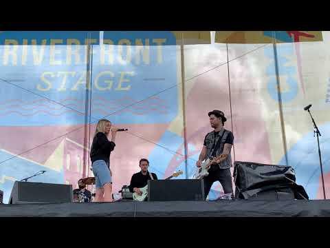 Riverfront Stage - CMA Fest