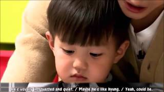 Download Video EXO Kai reunites with his baby doppelganger MP3 3GP MP4