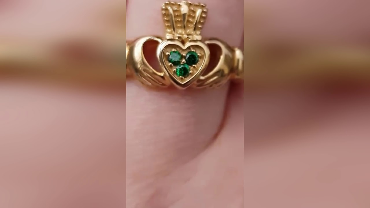 9kt Yellow Gold Ladies Claddagh Ring With Green Cubic Zirconia Set ...