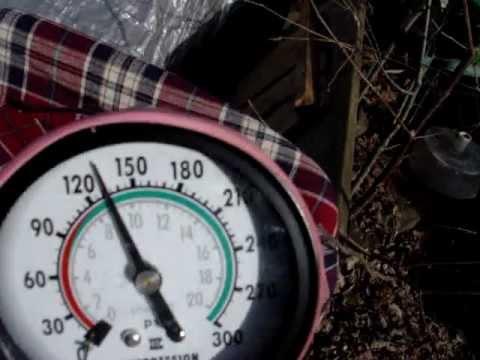 test de compression horsbord johnson 1 cylindre 2 strokes youtube. Black Bedroom Furniture Sets. Home Design Ideas