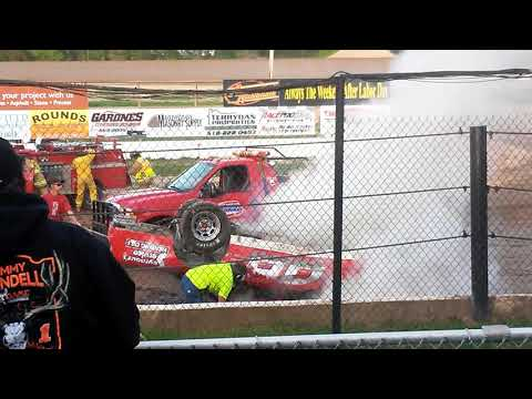 Scary crash Albany Saratoga Speedway